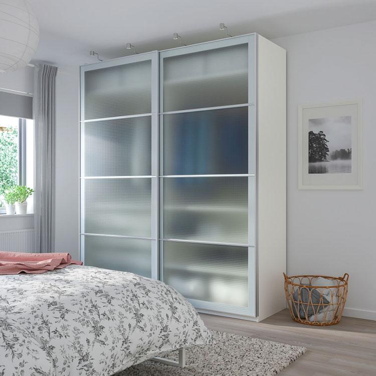 Modello di armadio con ante scorrevoli di Ikea n.03