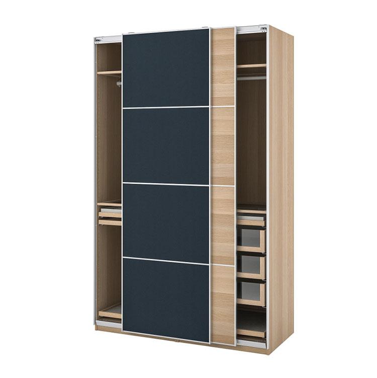 Modello di armadio con ante scorrevoli di Ikea n.05