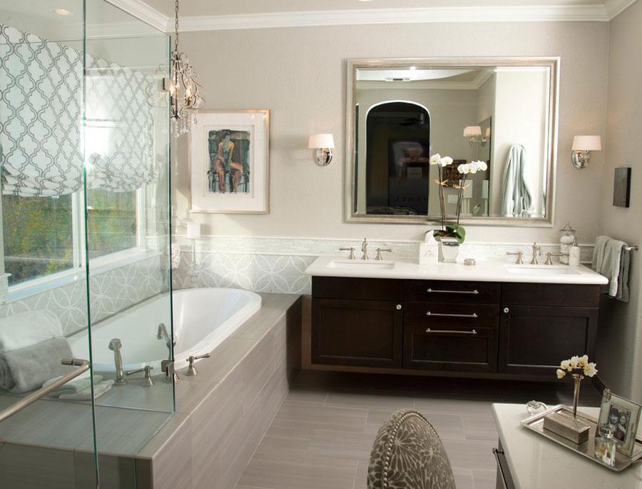 bagno con arredo tra il classico e il moderno n02