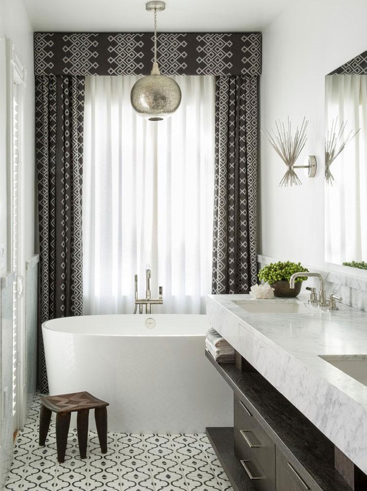 bagno con arredo tra il classico e il moderno n04