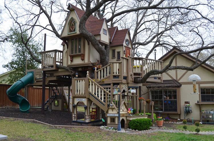 Una spettacolare casa sull'albero