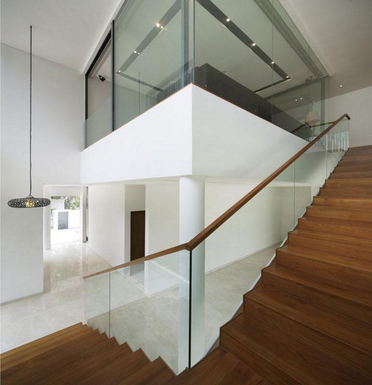 Modello di scala con ringhiera in vetro n.26