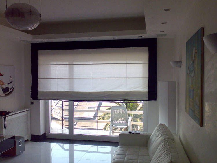 50 modelli di tende a pacchetto moderne per interni - Tende sala moderna ...