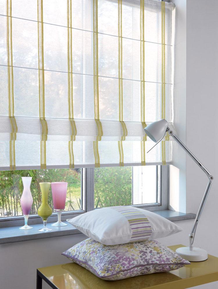 50 modelli di tende a pacchetto moderne per interni - Tende a rullo per cucina moderna ...