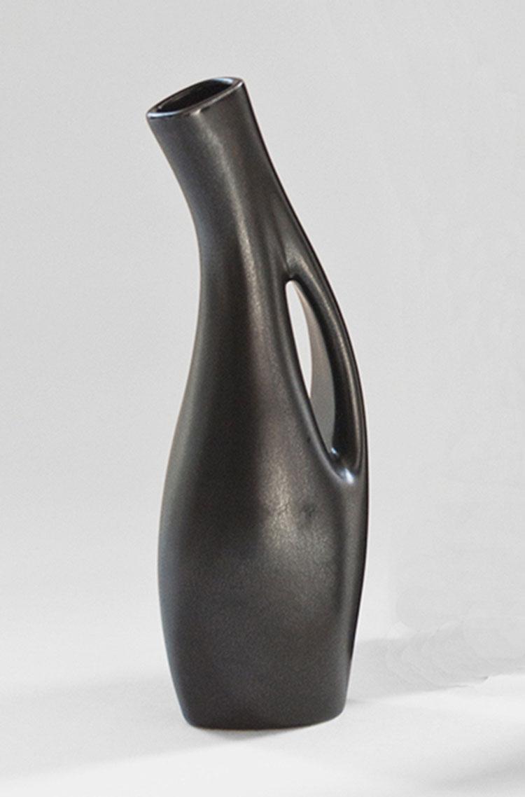 Vaso moderno dal design particolare n.02