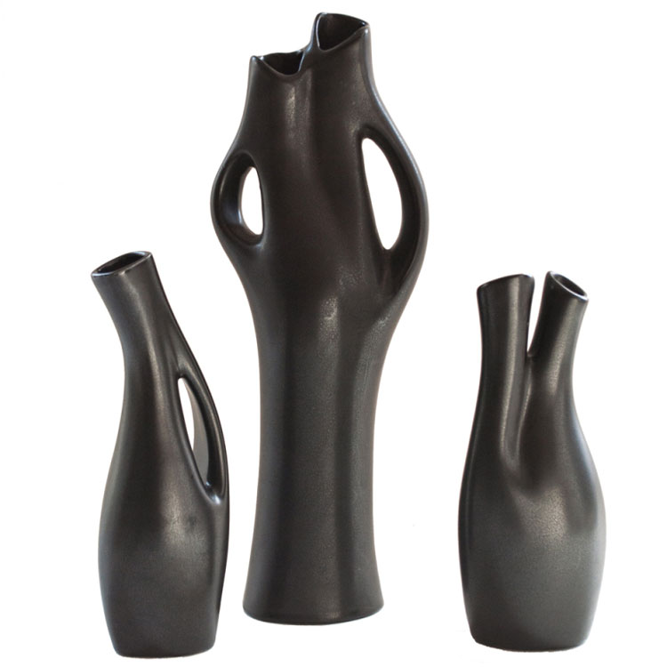 50 vasi moderni per interni dal design particolare for Vasi rossi moderni