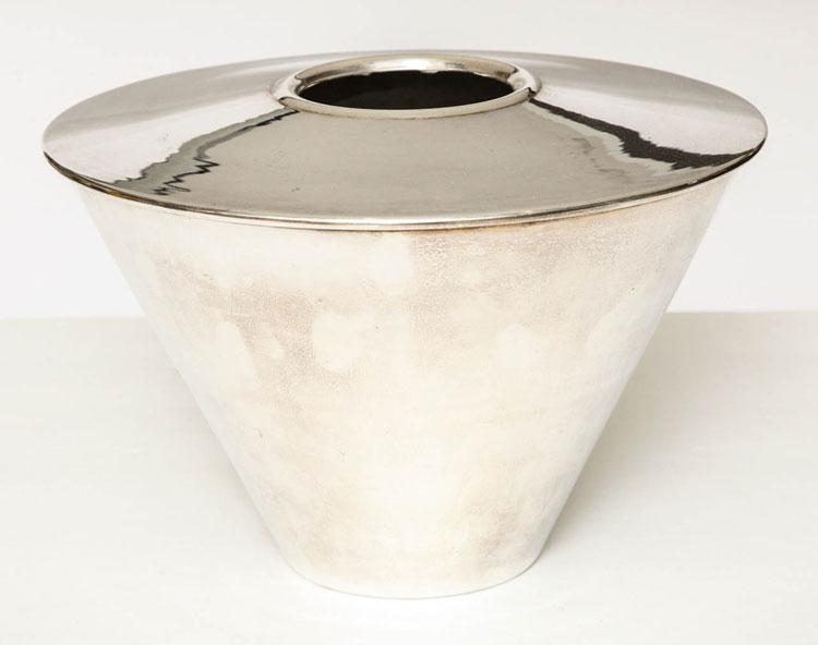 Vaso moderno dal design particolare n.09