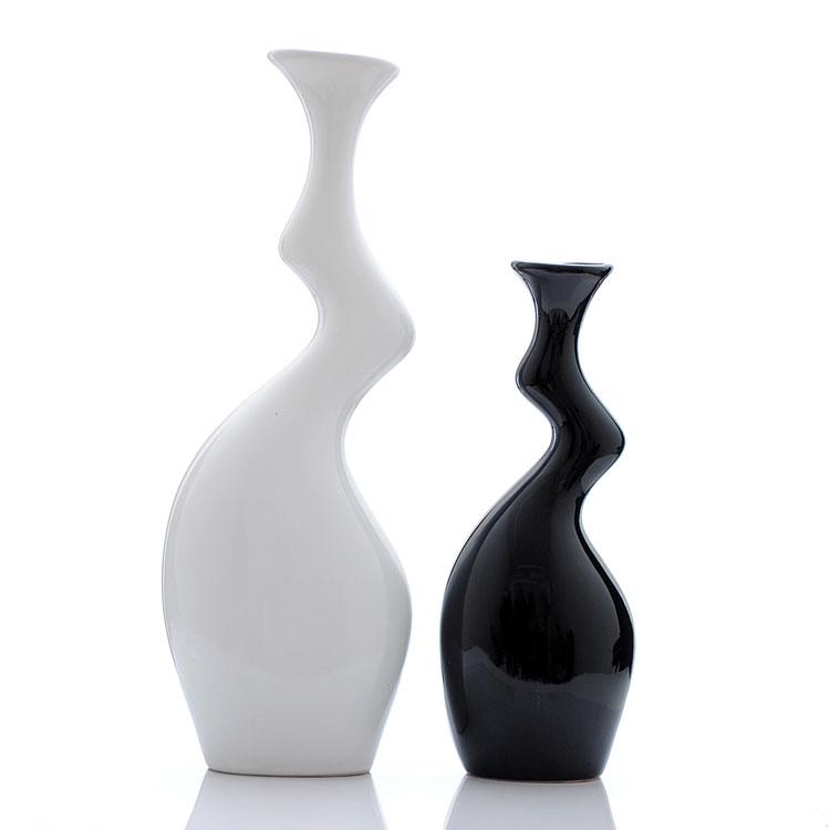 Vaso moderno dal design particolare n.12