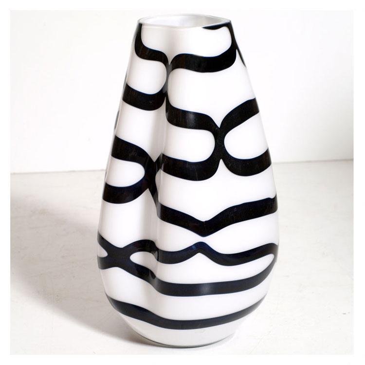 Vaso moderno dal design particolare n.33