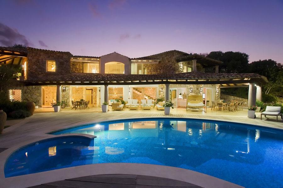 Spettacolare villa con piscina n.02