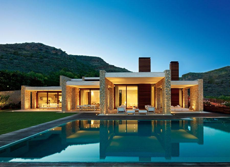 Spettacolare villa con piscina n.04