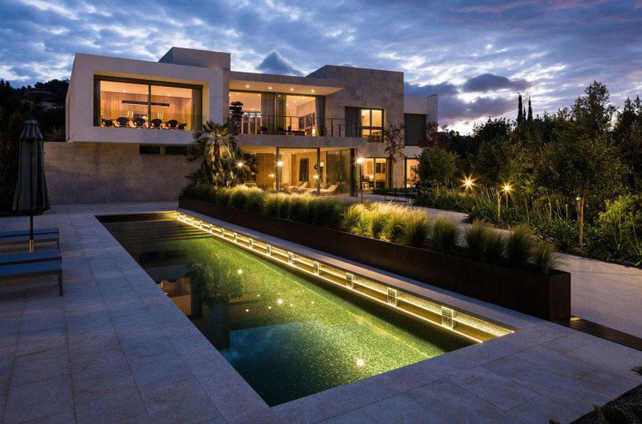 Spettacolare villa con piscina n.09