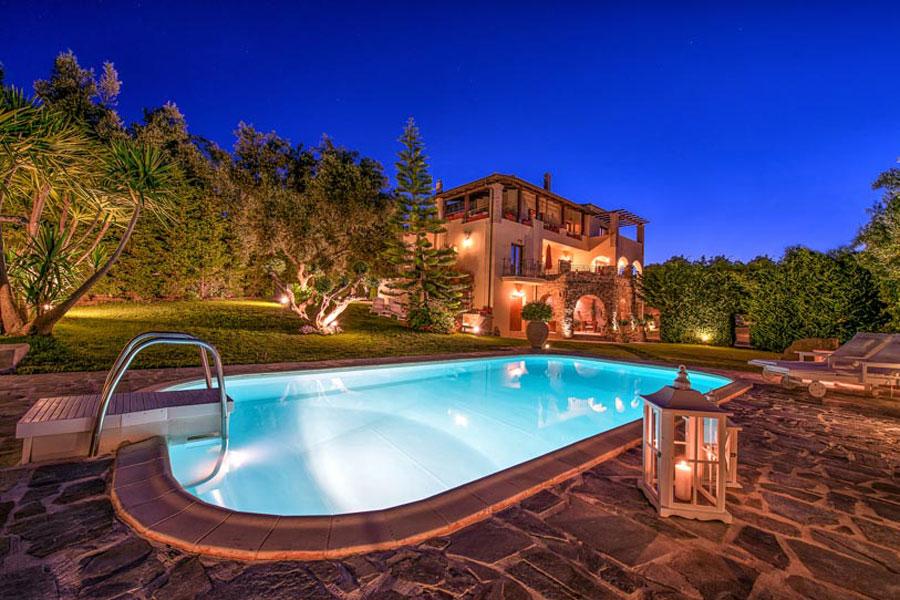 Spettacolare villa con piscina n.15