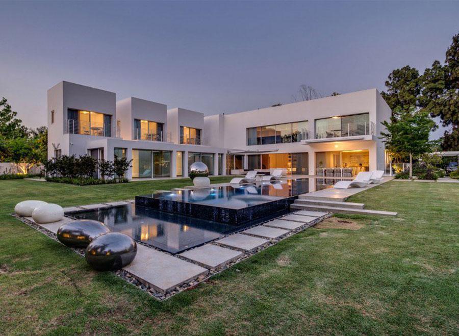 Spettacolare villa con piscina n.16
