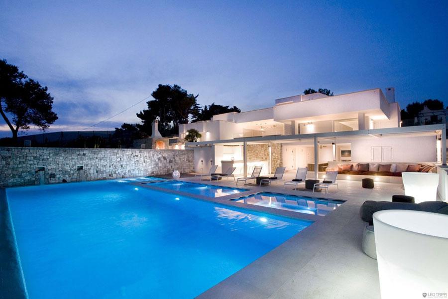 Spettacolare villa con piscina n.20