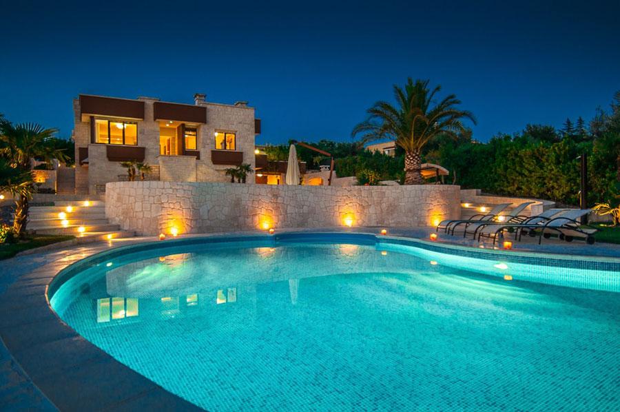 Spettacolare villa con piscina n.21