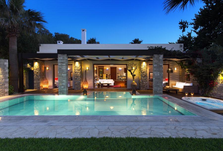 Spettacolare villa con piscina n.26