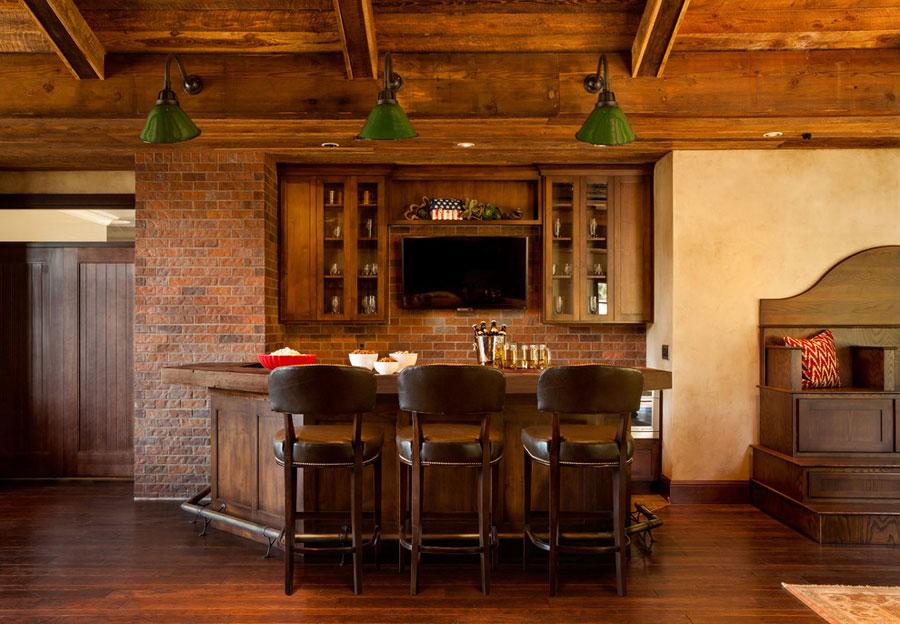 Angolo bar da realizzare a casa in stile rustico n.07