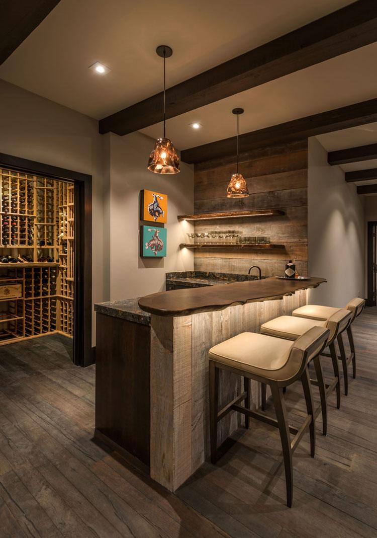 16 esempi di angolo bar in casa con arredamento rustico for Bar en casa rustico
