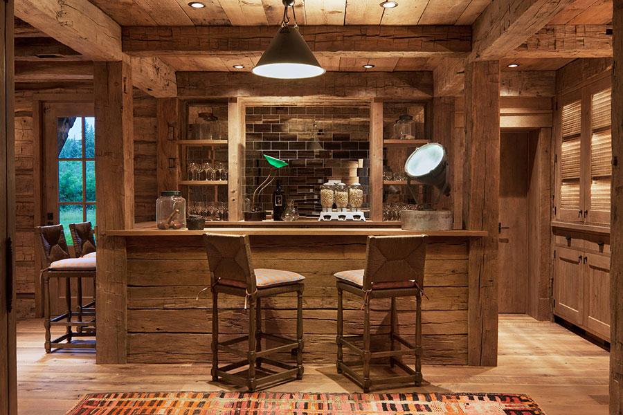 Angolo bar da realizzare a casa in stile rustico n.19