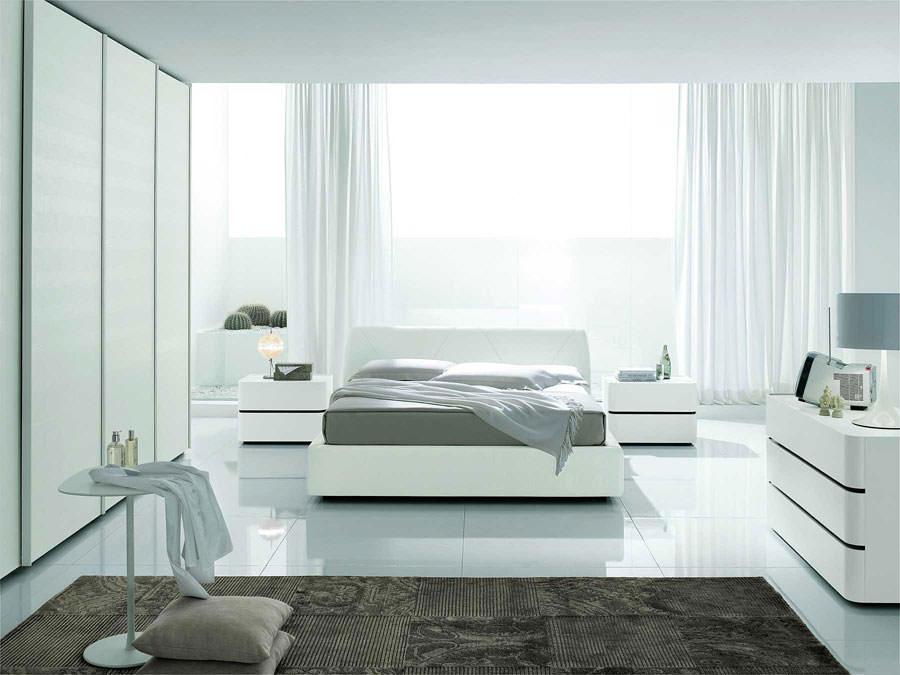 Foto di camera da letto bianca n.14