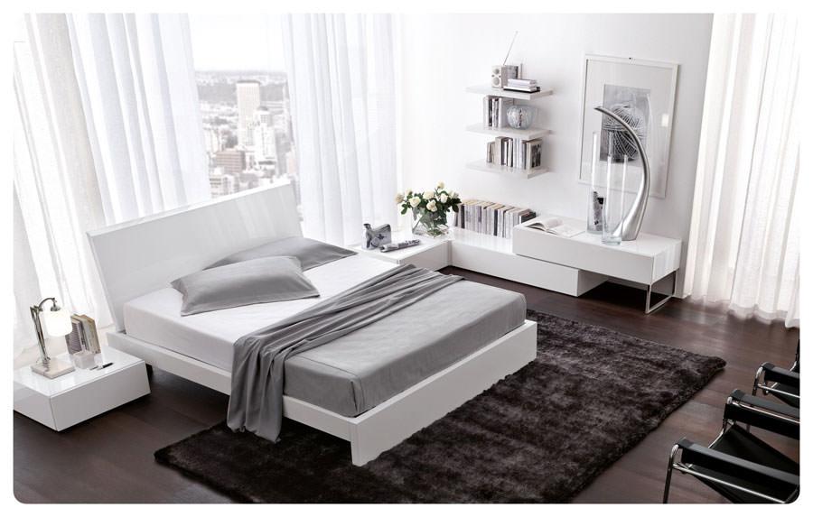 Foto di camera da letto bianca n.15