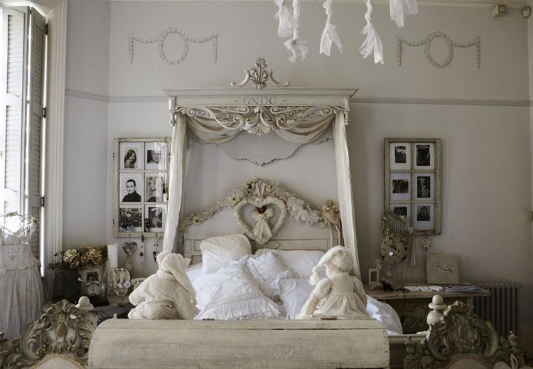 40 esempi di arredamento shabby chic per la camera da letto - Specchio antichizzato ...