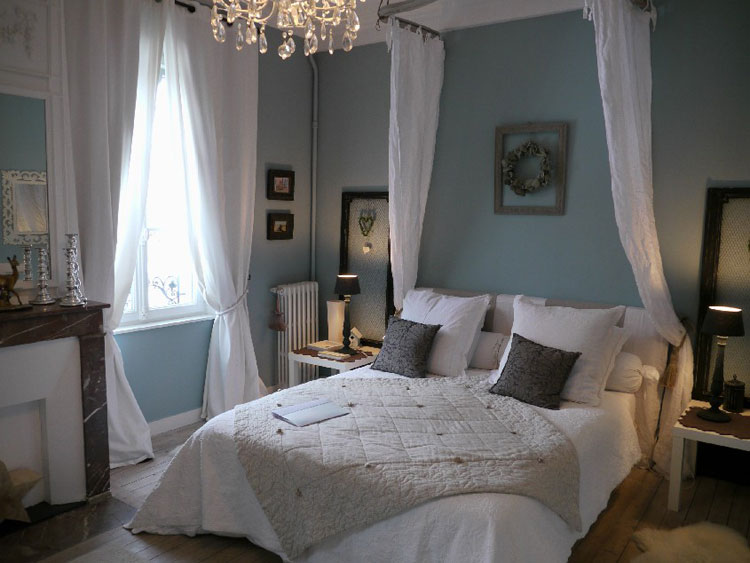 Camera da letto in stile shabby chic n.25