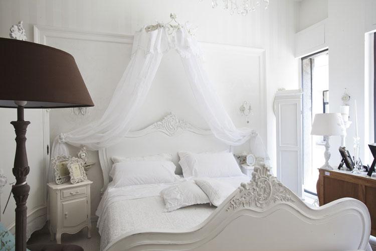 Camera da letto in stile shabby chic n.40