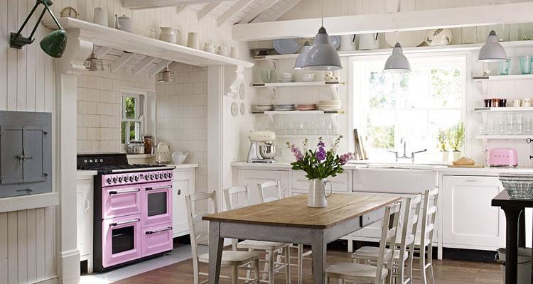 Cucine shabby chic 30 idee per arredare casa in stile for Foto di arredamento casa