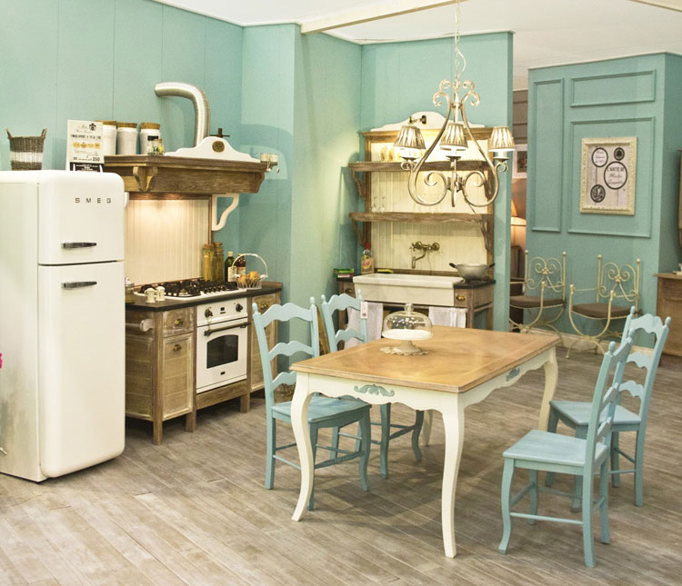 Cucine shabby chic 30 idee per arredare casa in stile for Case colorate esterni