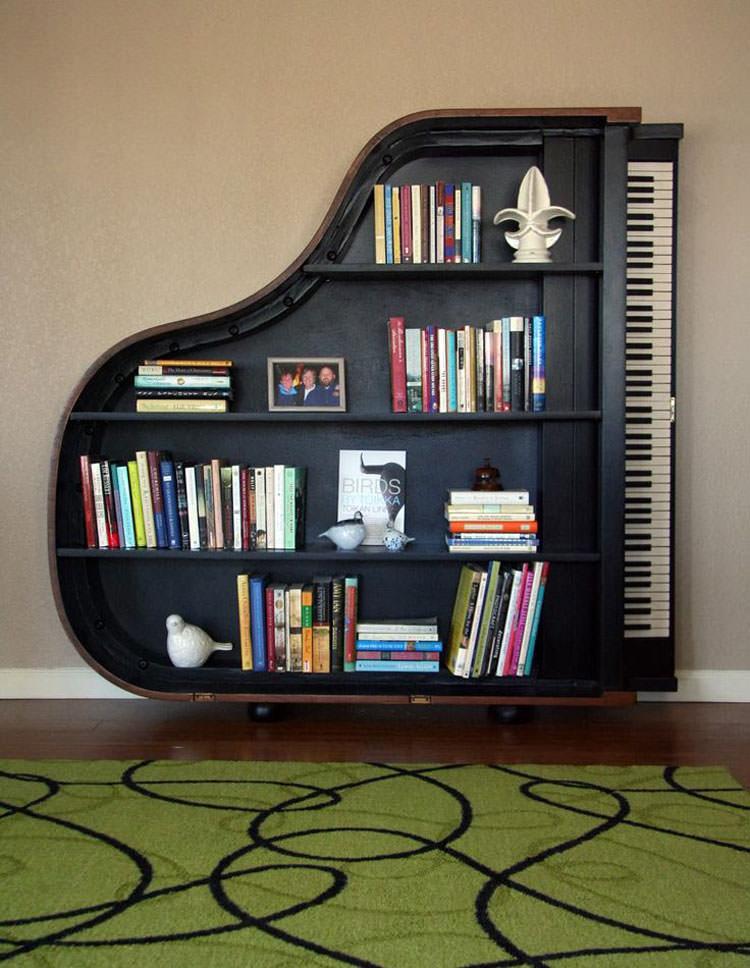 Pianoforte trasformato in libreria