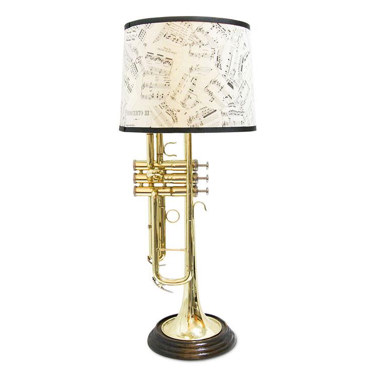 Trombetta trasformata in lampada