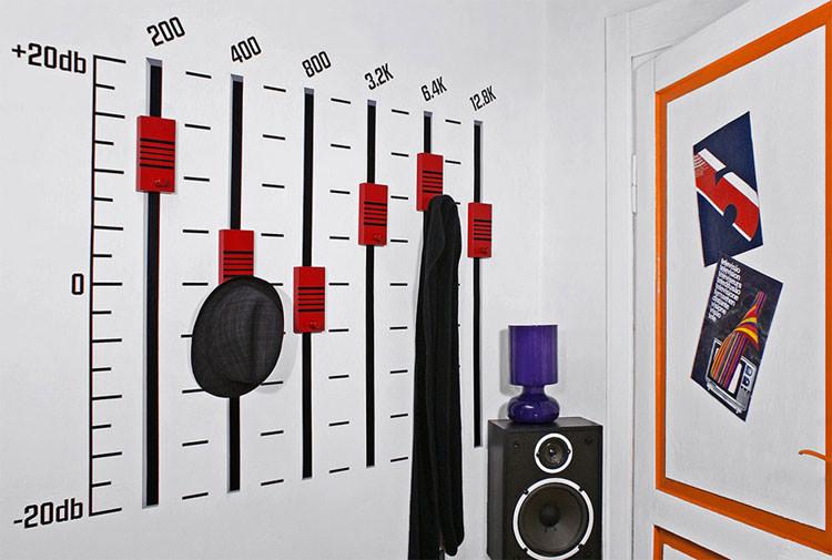 Appendiabiti a forma di equalizzatore audio