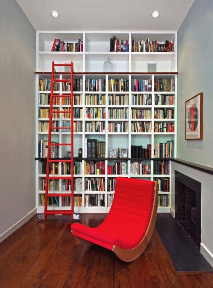 Libreria a soffitto con scala n.04