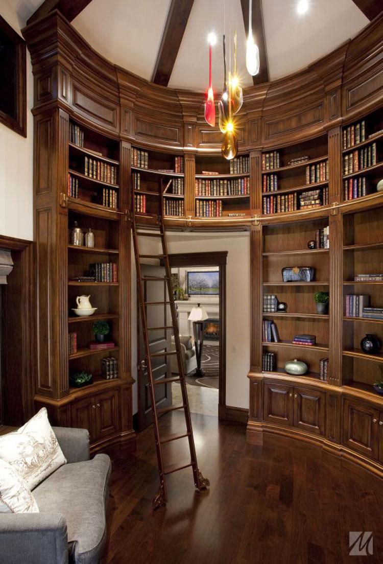 Libreria a soffitto con scala n.06