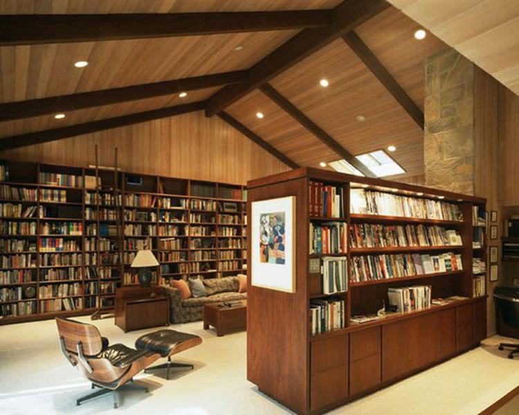Libreria a soffitto con scala n.08