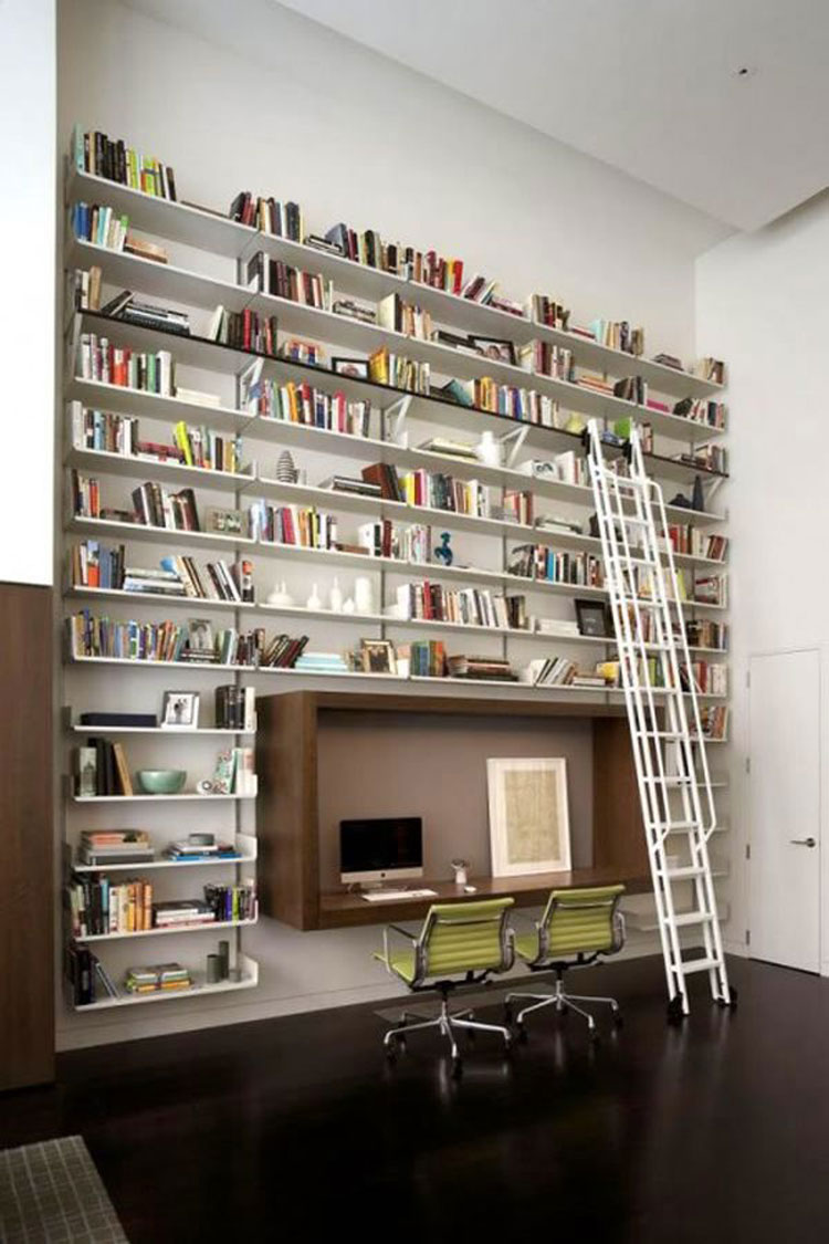 Libreria a soffitto con scala n.11