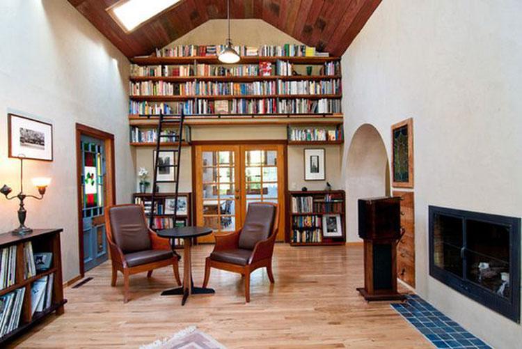 Libreria a soffitto con scala n.12
