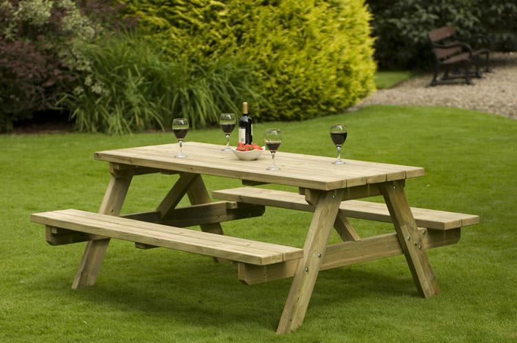 Foto del tavolo da giardino in legno n.06