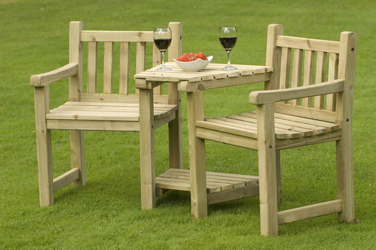 Foto del tavolo da giardino in legno n.07