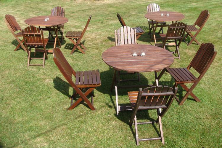 Foto del tavolo da giardino in legno n.08