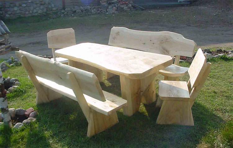 Foto del tavolo da giardino in legno n.10