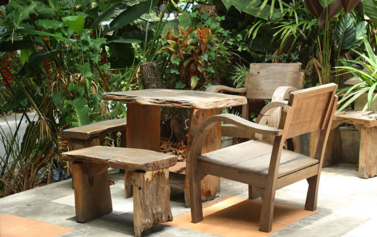 Foto del tavolo da giardino in legno n.19