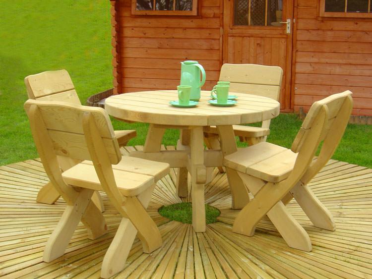 Foto del tavolo da giardino in legno n.20