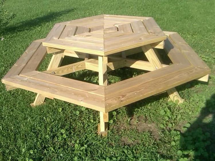 Foto del tavolo da giardino in legno n.22