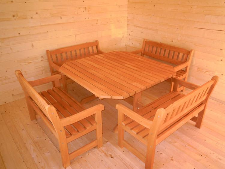 Foto del tavolo da giardino in legno n.31