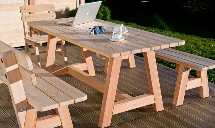 Foto del tavolo da giardino in legno n.32