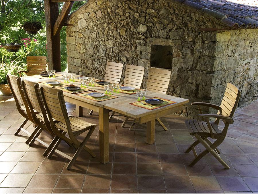Modello di tavolo da giardino in legno allungabile n.03