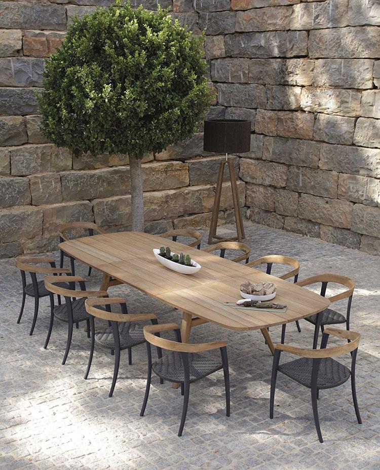 Modello di tavolo da giardino in legno allungabile n.06